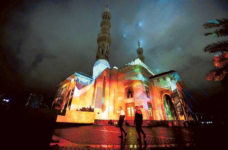nat-170202-sharjah-light-festival-6