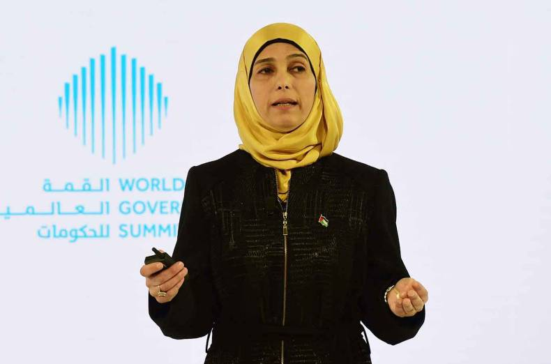 hanan-al-hroub-talks-about-the-subject-the-power-of-play-at-the-summit