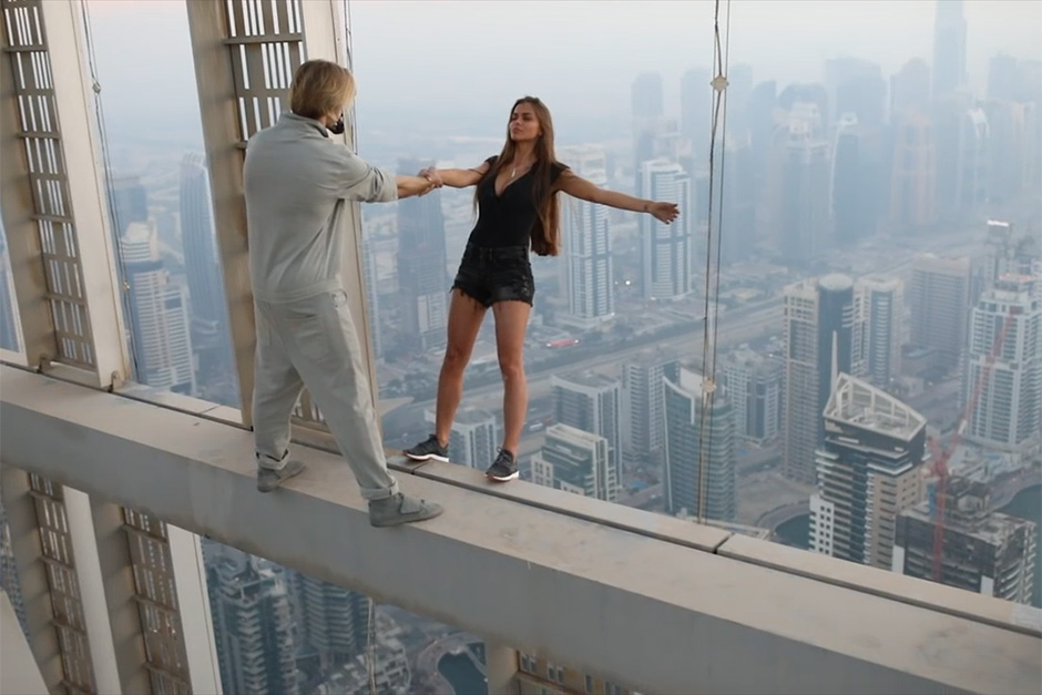 Model's death-defying stunt in Dubai goes viral