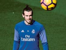 Bale back as Real Madrid look to extend lead