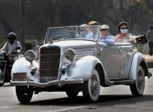 Vintage cars paraded on Delhi roads