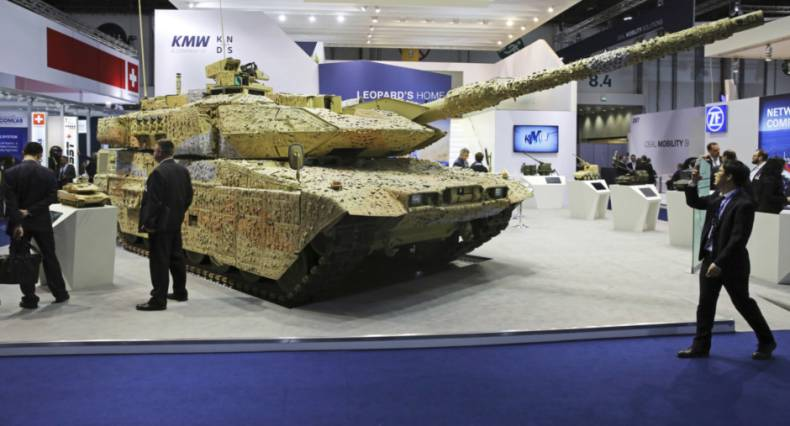 copy-of-emirates-defense-exhibition-95799-jpg-46ca3