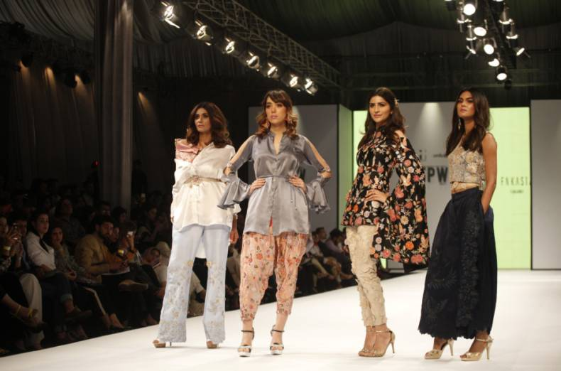 copy-of-pakistan-fashion-week-03844-jpg-fd354
