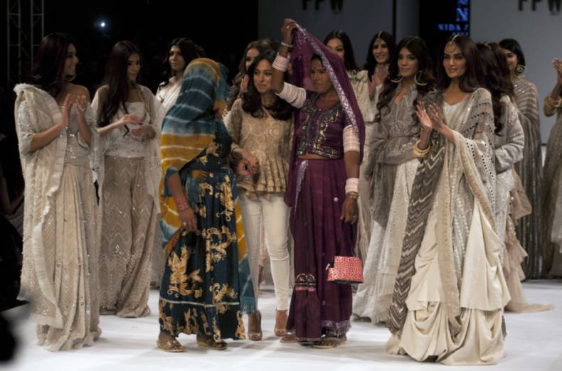 copy-of-pakistan-fashion-week-26656-jpg-0fab5