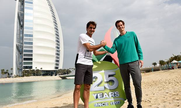 Federer and Murray warm up on the beach