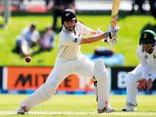 Williamson leads fightback by injury-hit Kiwis