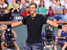 Pospisil over the moon after scalping Murray