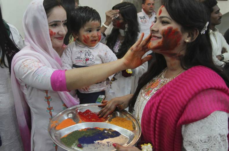 copy-of-pakistan-holi-festival-04801-jpg-5951a
