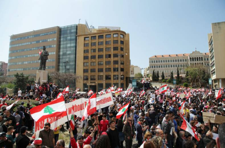 copy-of-2017-03-19t120830z-294526467-rc1ac794a1a0-rtrmadp-3-lebanon-politics-protest