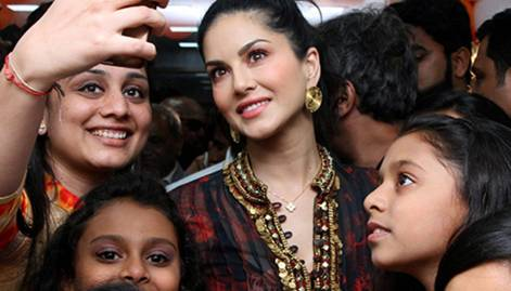 Sunny, Anushka and Jacqueline in celebwatch