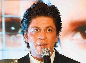 Shah Rukh and Aamir 'don't talk work'