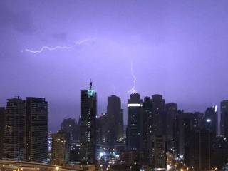 Thunder, heavy rain strike across UAE