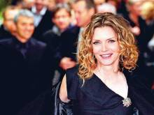 Michelle Pfeiffer still in love with acting