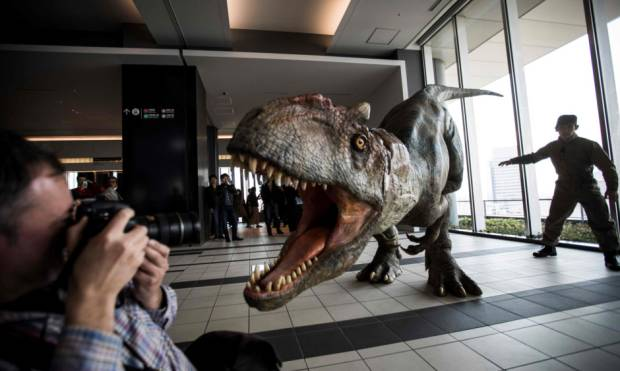 Robotic dinosaur on the prowl in Japan