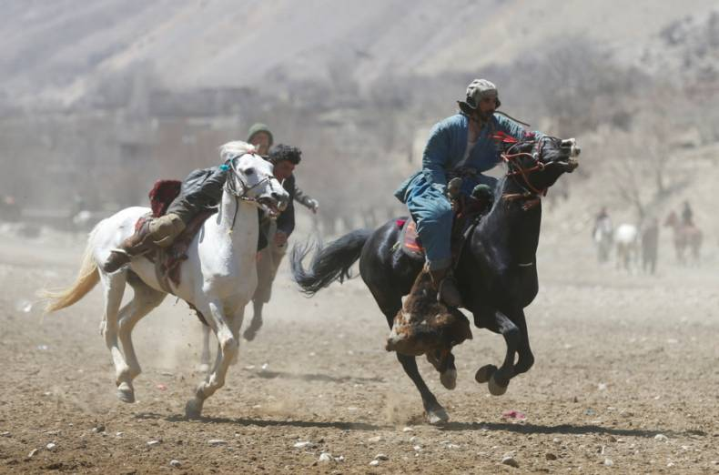 copy-of-2017-04-08t081759z-595693338-rc164514af00-rtrmadp-3-afghanistan-buzkashi