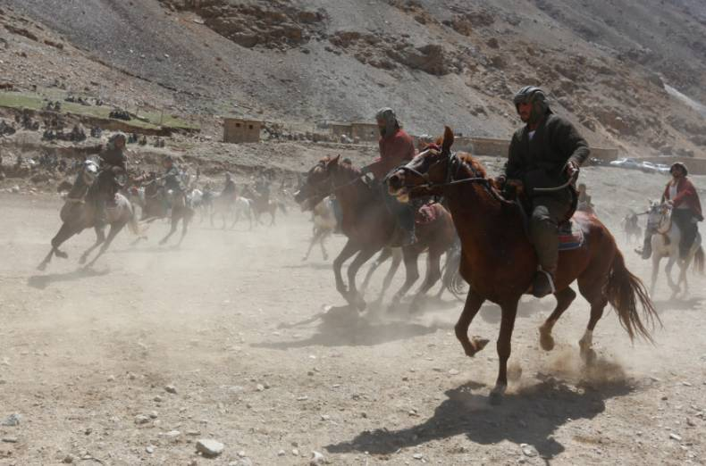 copy-of-2017-04-08t081811z-2134253305-rc1bc885a6f0-rtrmadp-3-afghanistan-buzkashi