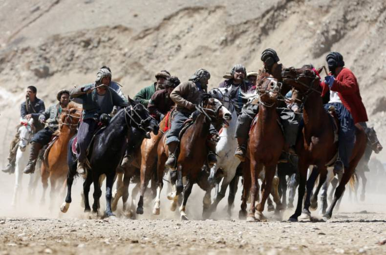 copy-of-2017-04-08t081809z-1110597886-rc1ebe6f7e70-rtrmadp-3-afghanistan-buzkashi