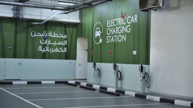Dubai Gas Guzzlers Push Out Electric Cars From Charging Spots
