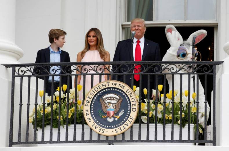 copy-of-2017-04-17t154019z-1675986799-rc135aca9590-rtrmadp-3-religion-easter-usa-whitehouse