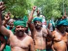 Indian farmers in unique protest