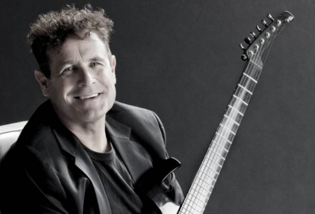 Johnny Clegg to perform at Dubai Opera