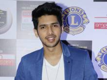 Alka Yagnik, Amit Trivedi disagree with Armaan
