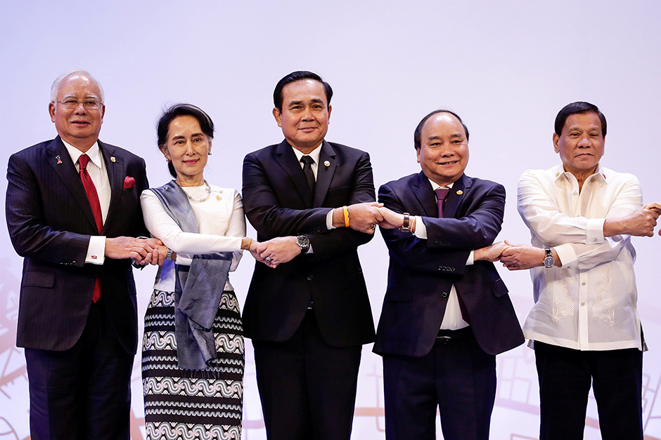 ASEAN countries continue to court China
