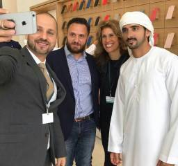 Dubai crown prince tours new Apple store