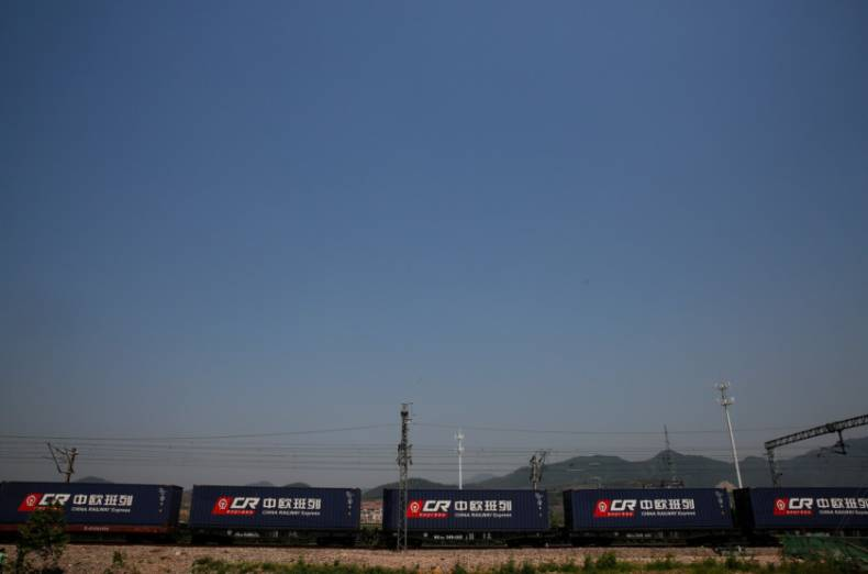 copy-of-2017-04-29t052957z-383923264-rc168aea8700-rtrmadp-3-china-silkroad-train