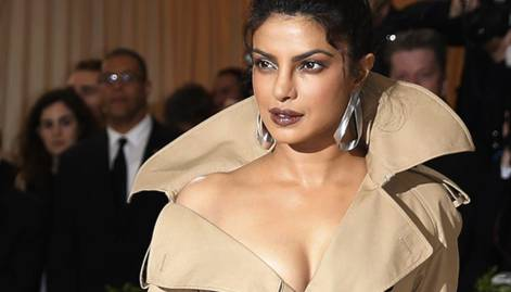 Priyanka wows in a sexy coat at Met Gala