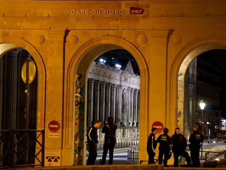 paris s gare du nord evacuated for police train search. Black Bedroom Furniture Sets. Home Design Ideas
