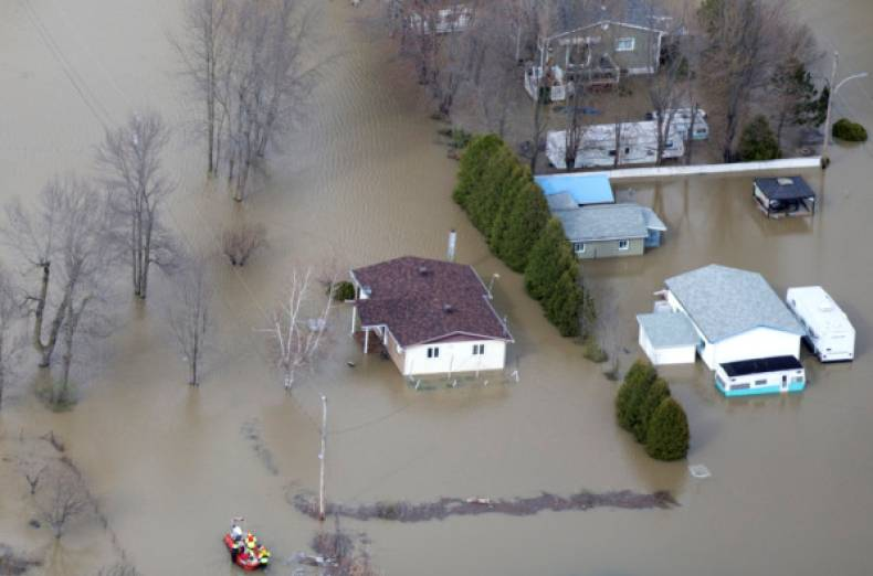 copy-of-2017-05-08t234531z-1878925937-rc194694bd70-rtrmadp-3-canada-quebec-floods