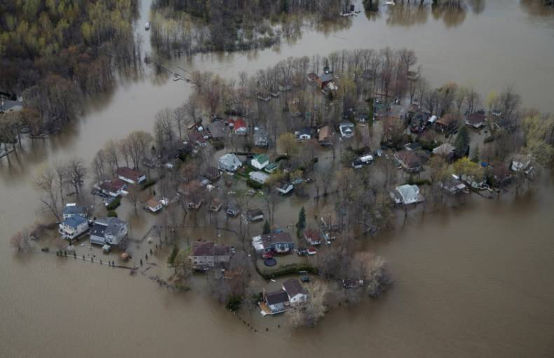 copy-of-2017-05-09t000028z-612476837-rc134d349500-rtrmadp-3-canada-quebec-floods