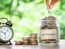 When do expats have to retire in the UAE?