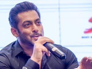 Salman Khan unveils 'Tubelight' song