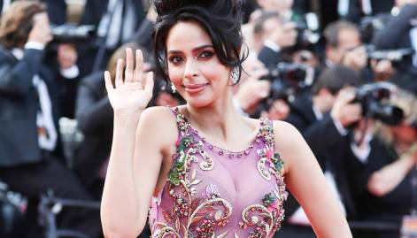 Bollywood beauties sparkle at Cannes