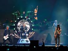 Guns N' Roses keep reunion going