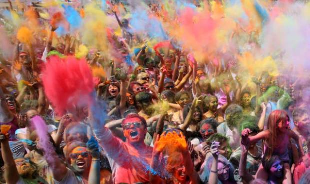 Spain explodes in color during Holi festival