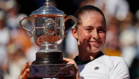 Jelena Ostapenko rallies to win French Open