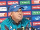 Pakistan coach Mickey Arthur addressing press conference.