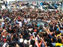 Pakistan team warmly welcomed home