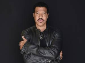 Lionel Richie ready for 'diva' Mariah on tour