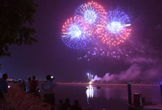 Pictures: Fireworks at Yas Marina