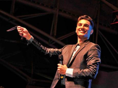 Mohammad assaf releases new album ma wahashnak for Assaf lebanese cuisine