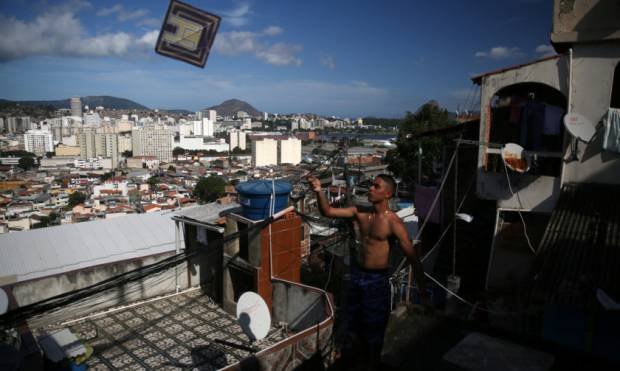 Pictures: Brazil's battle of the kites