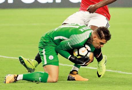 If City to succeed, Ederson needs to shape up