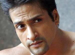 Bollywood actor, 43, dies of heart attack