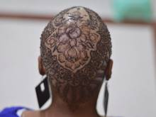 Free Henna crowns for cancer patients