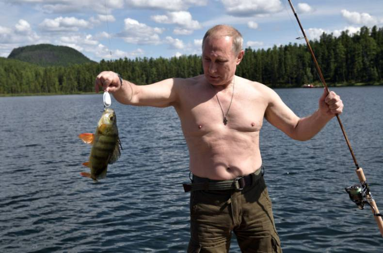 copy-of-2017-08-05t152708z-1231083612-rc1245e62d10-rtrmadp-3-russia-putin-fishing