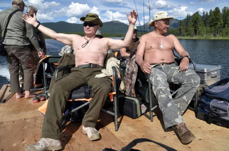 copy-of-2017-08-05t153717z-885169463-rc1a39679d00-rtrmadp-3-russia-putin-fishing